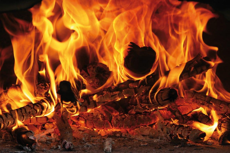 Bien allumer son feu dans un foyer fermé