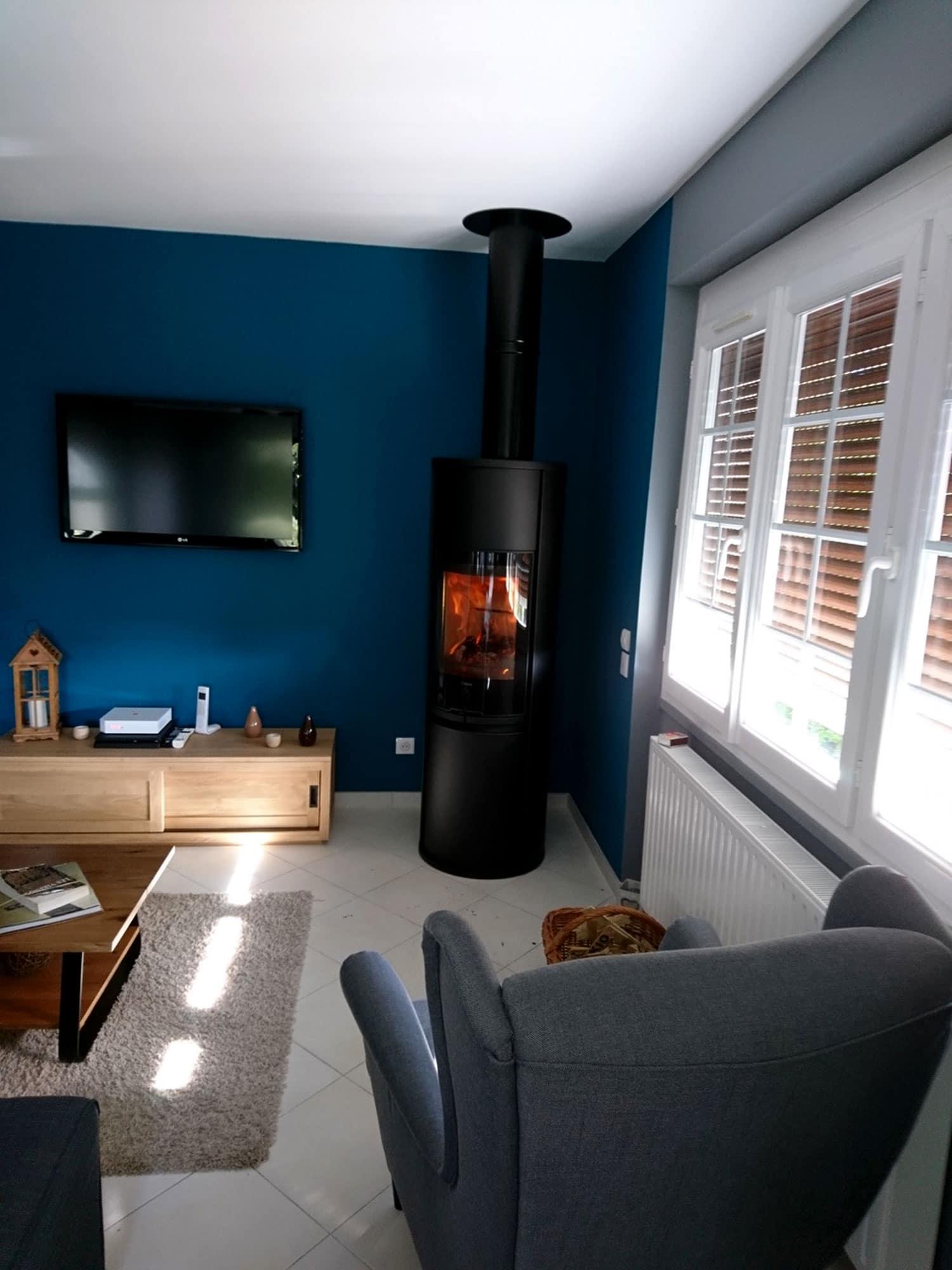 po le bois dans une maison r nov e mesnil esnard. Black Bedroom Furniture Sets. Home Design Ideas