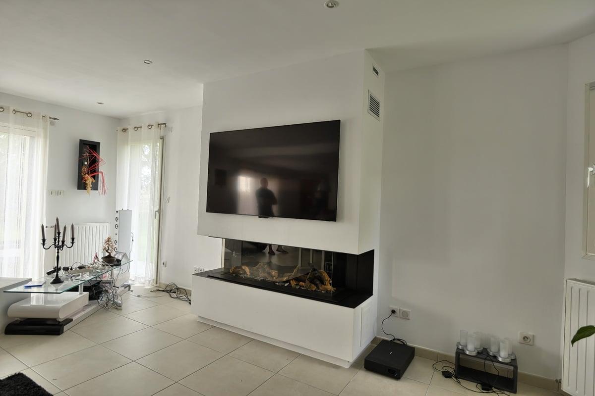 Cheminée gaz panoramique avec habillage écran TV Bourg-Achard